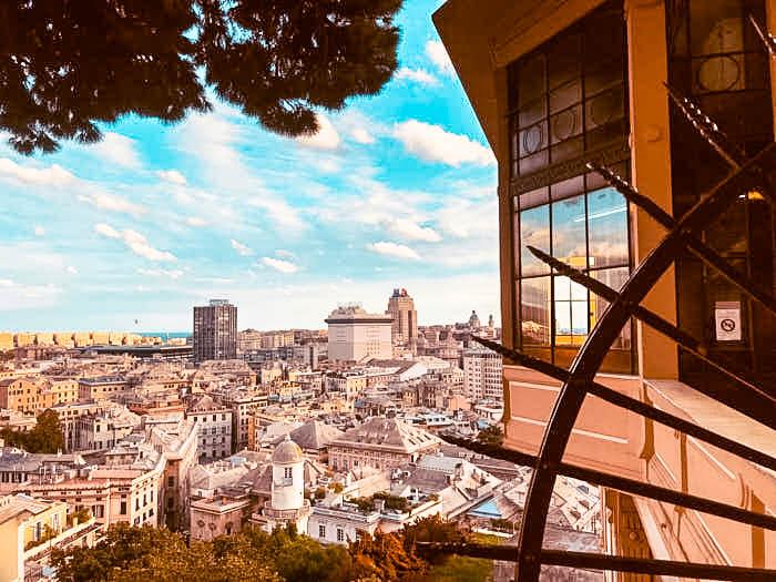 Genova Spianata castelletto Liguria Passione Passaporto Italia