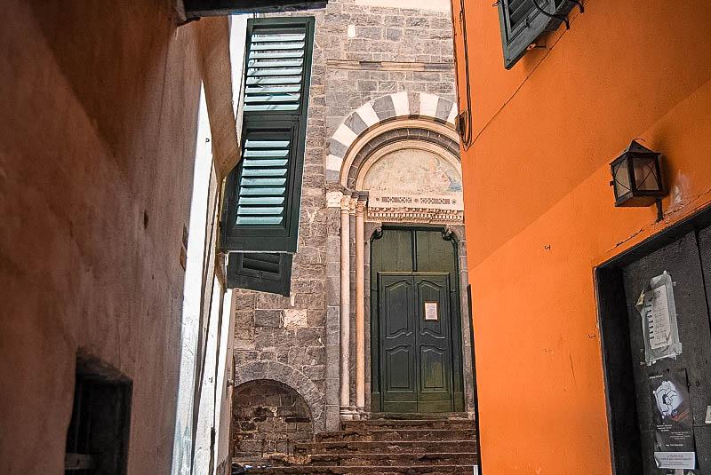 Piazza San Cosimo Genova Taverna Zaccaria Genova Passione Passaporto