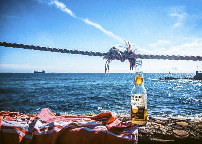 bay beach aperitivo Genova Italia Liguria Passione Passaporto dove fare aperitivo