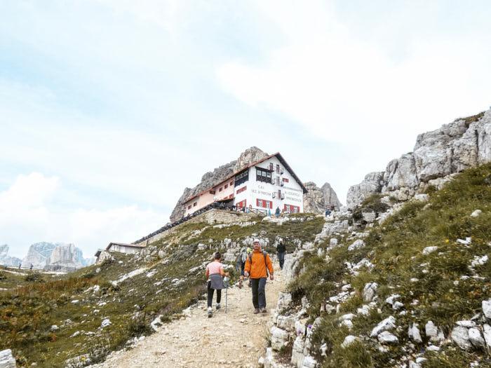 Rifugio LocatelliTre cime di Lavaredo Dolomiti Trentino Alto Adige Italia Passione Passaporto