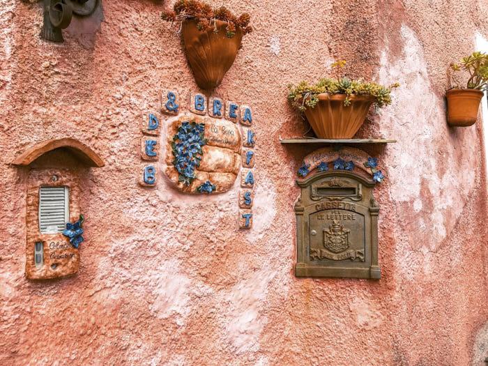 Piazza Verezzi Borgata Piazza Cosa vedere a Borgio Verezzi Liguria Italia Passione Passaporto