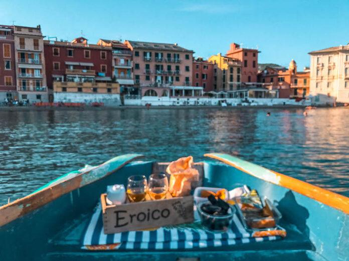 Dove fare aperitivo in Liguria fare aperitivo a Sestri Levante Aperitivo in Scialuppa Bistromare Liguria Italia Passione Passaporto