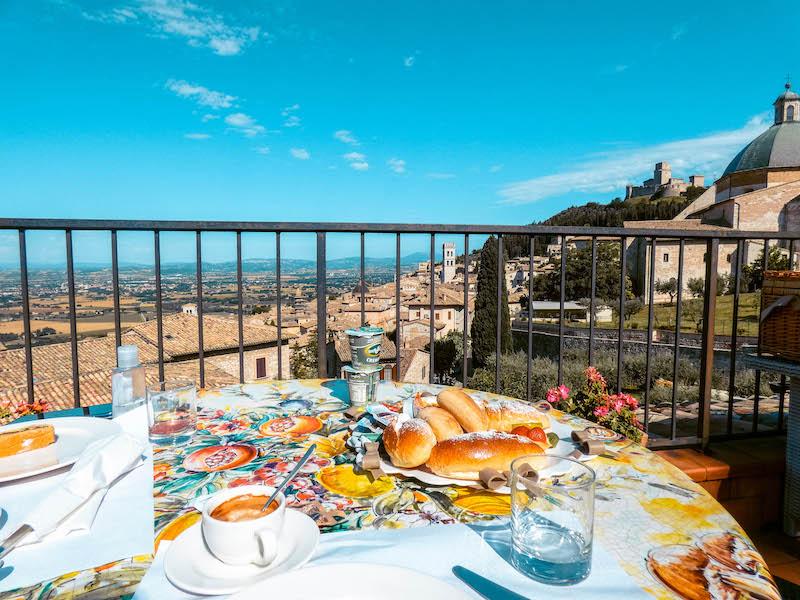 Dove dormire ad Assisi Hotel Ideale Assisi centro storico Umbria Italia Passione Passaporto
