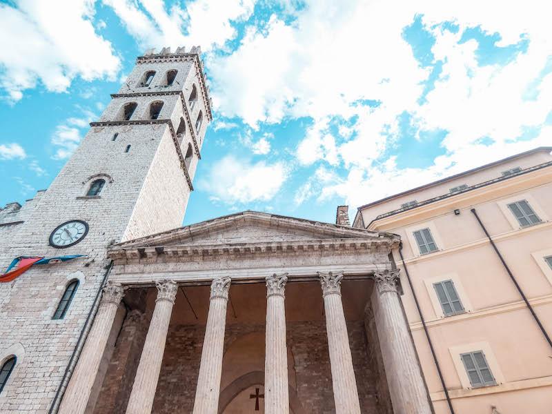 Cosa vedere ad Assisi Tempio di Minerva Umbria Italia Passione Passaporto