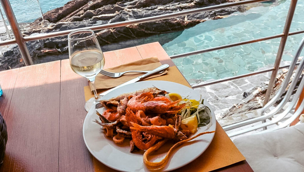 Dove mangiare a Genova sul mare Genova Nervi Bagni Medusa Liguria Italia rivista forbes Passione Passaporto