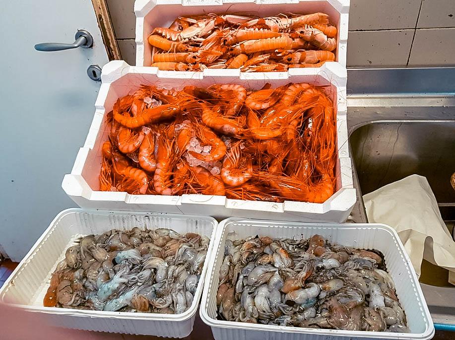 Dove mangiare a Genova pesce fresco sul mare Italia Passione Passaporto