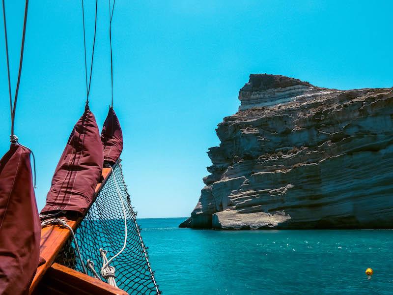 Kleftiko Baia Pirati Milos escursione in barca Passione Passaporto