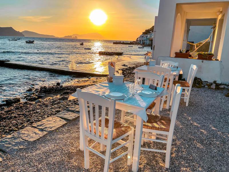 Astakas Cafè Milos Grecia Klima dove mangiare a Milos dove mangiare a Klima Passione Passaporto