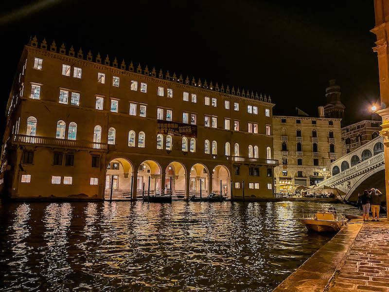 Venezia by night Venezia di notte dove dormire a Venezia cosa fare a Venezia Italia Passione Passaporto