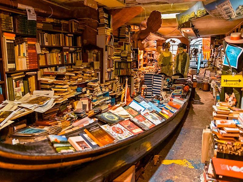 Cosa vedere a Venezia Libreria Acqua Alta Italia Passione Passaporto Italia